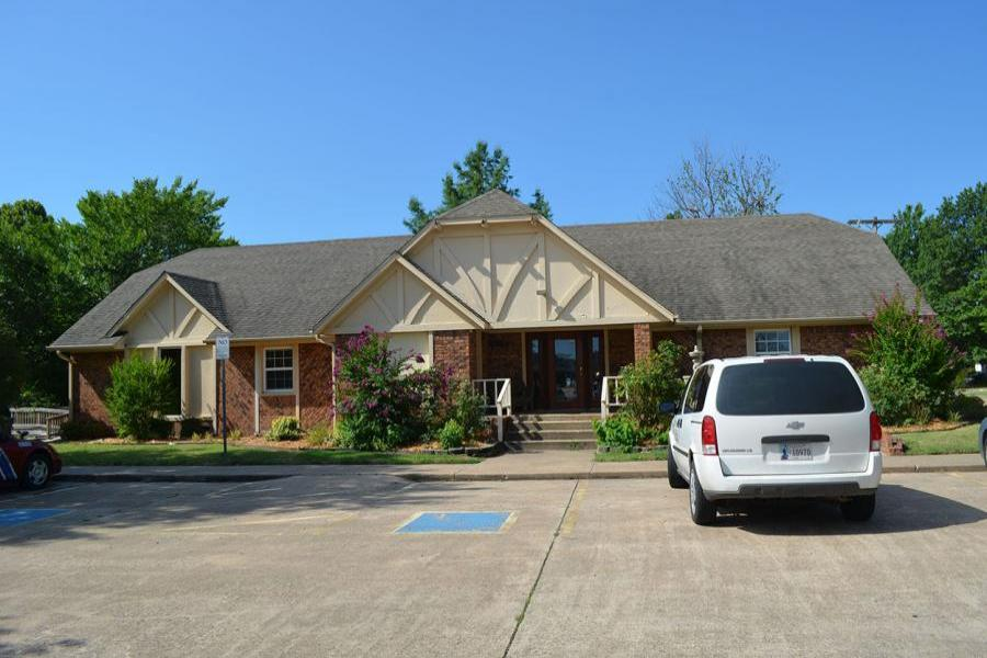 Front view of Claremore office